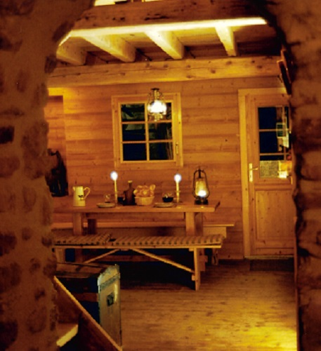 -vue-voute-interieur-nuit-bougies